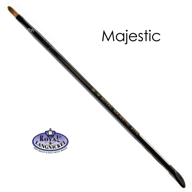 The majestic #4 Filbert Brush from Royal and Langnickel