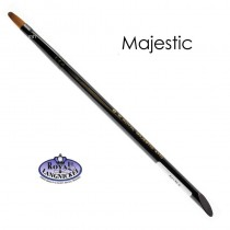 The majestic #8 Filbert Brush from Royal and Langnickel